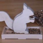 Eichhörnchennussknacker aufgemotzt (Originalversion: Toom-Baumarkt)