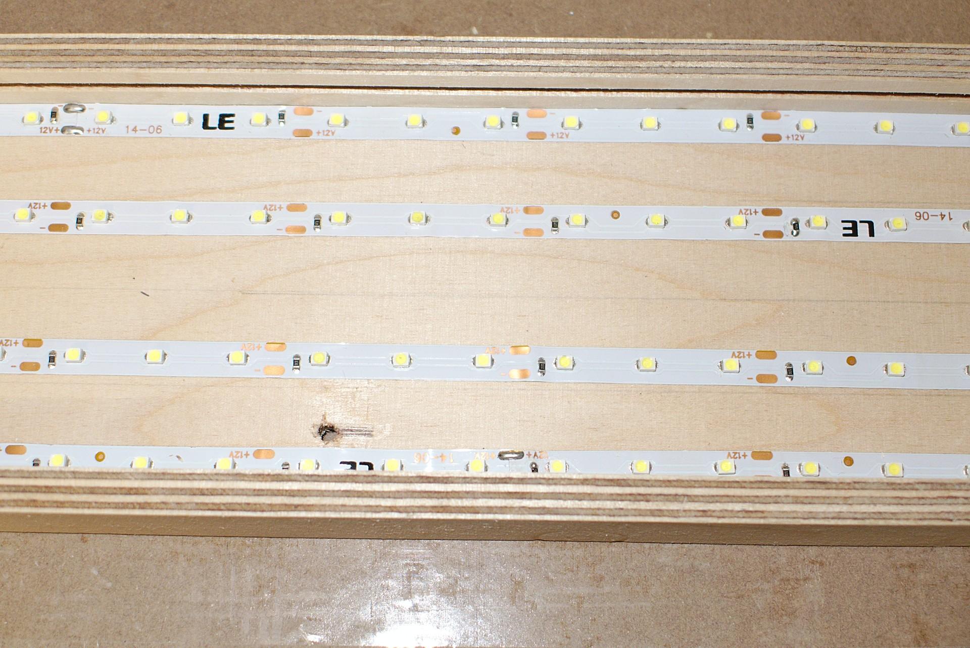 Led fl chenlampe aus holz und plexiglas hobby holzw rmer for Led holzlampe