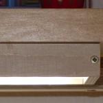 Led-Flächenlampe aus Holz und Plexiglas