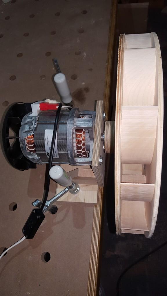 Der Impeller sitzt auf dem Motor