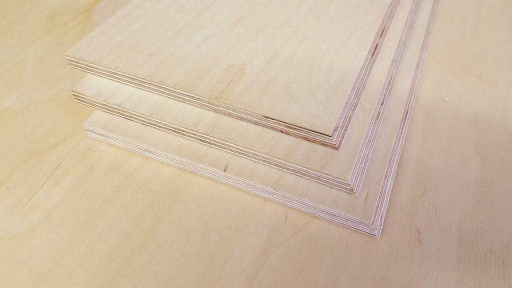 Seiten- und Hinterteil mit 60° Winkeln