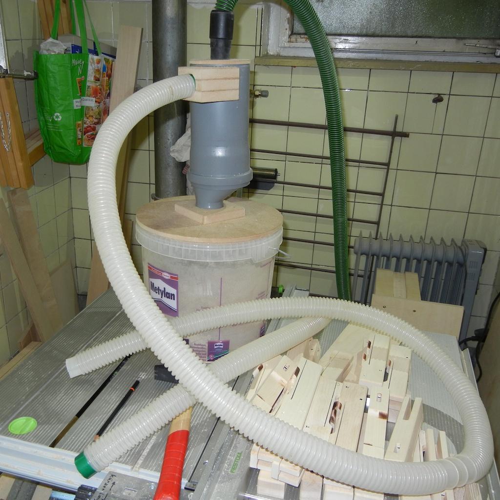 staubsaugerzyklon aus abflussrohren im eigenbau hobby holzw rmer. Black Bedroom Furniture Sets. Home Design Ideas