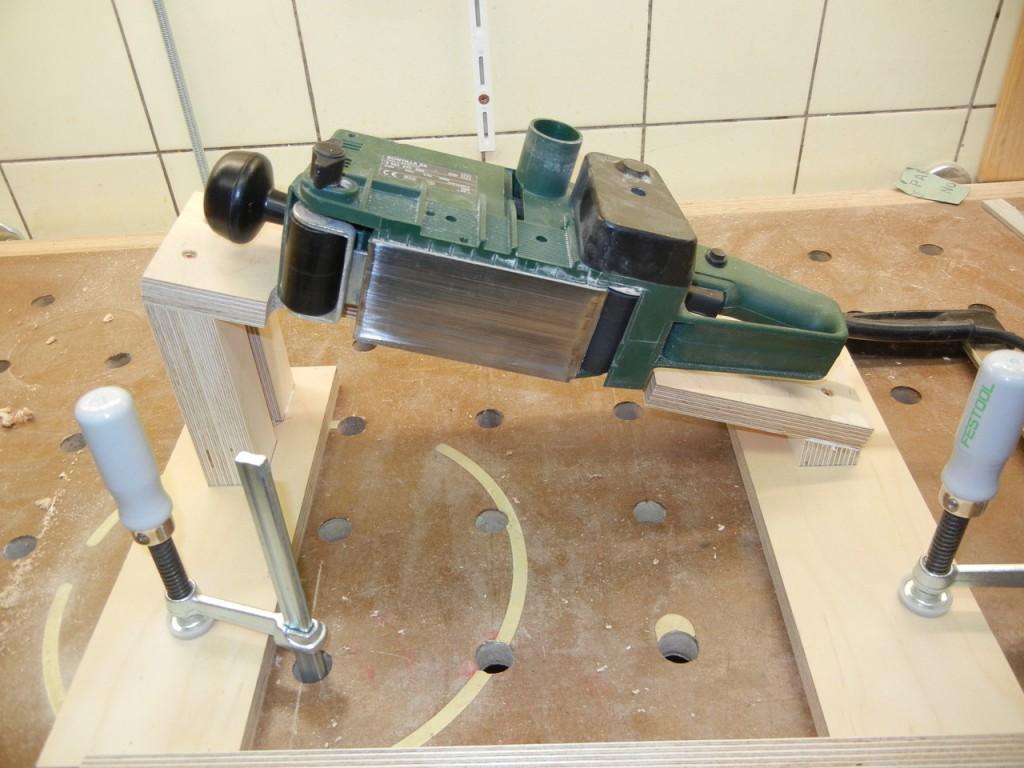 bandschleifertisch selbst bauen bandschleifer station r verwenden hobby holzw rmer. Black Bedroom Furniture Sets. Home Design Ideas